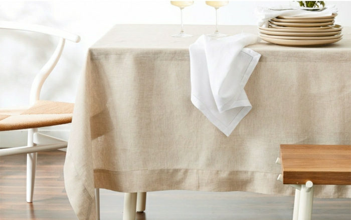déco-de-table-chemin-de-table-en-lin-art-de-table-beige-nappe-lin