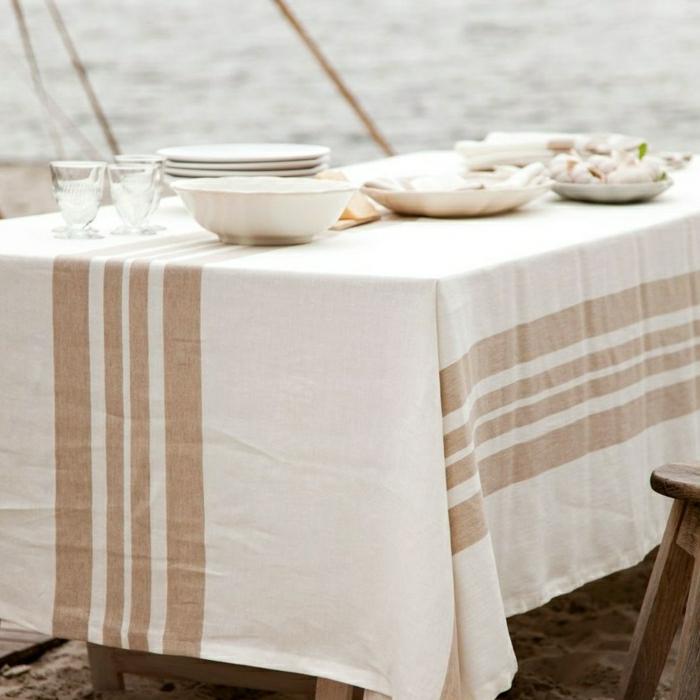 déco-de-table-chemin-de-table-en-lin-art-de-table-idée-aménagement-au-bord-de-la-mer