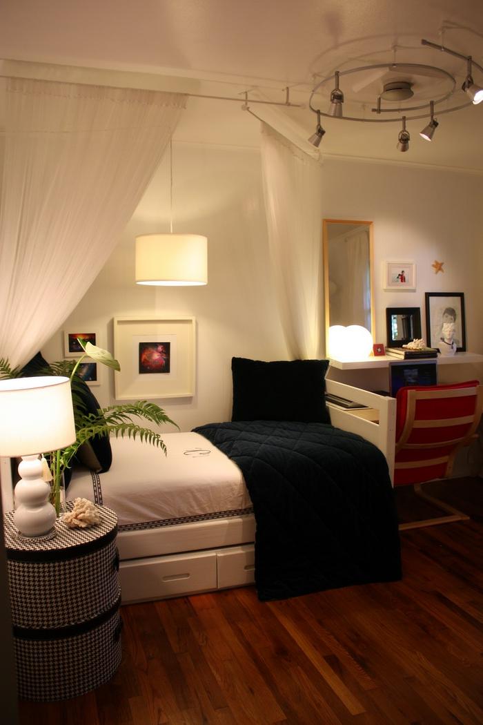 décoration-chambre-adulte-lit-rangement-chic-déco-à-faire-soi-même-lit-blanc-et-noir