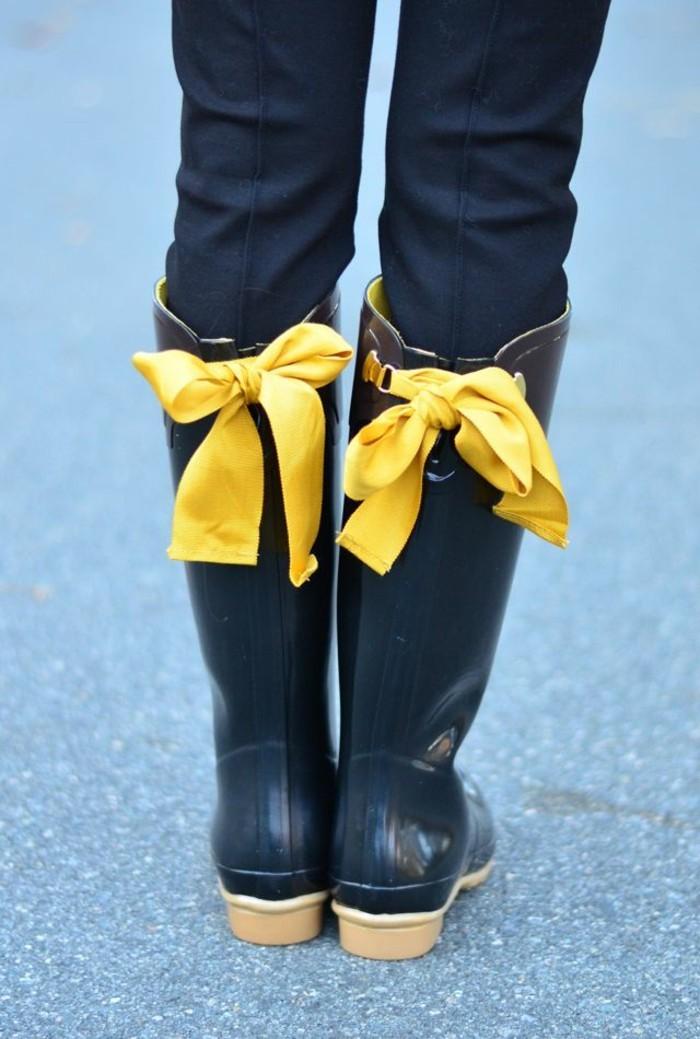 de-botte-caoutchouc-quand-il-pleut-tenue-de-jour-chic-rubain-jaune