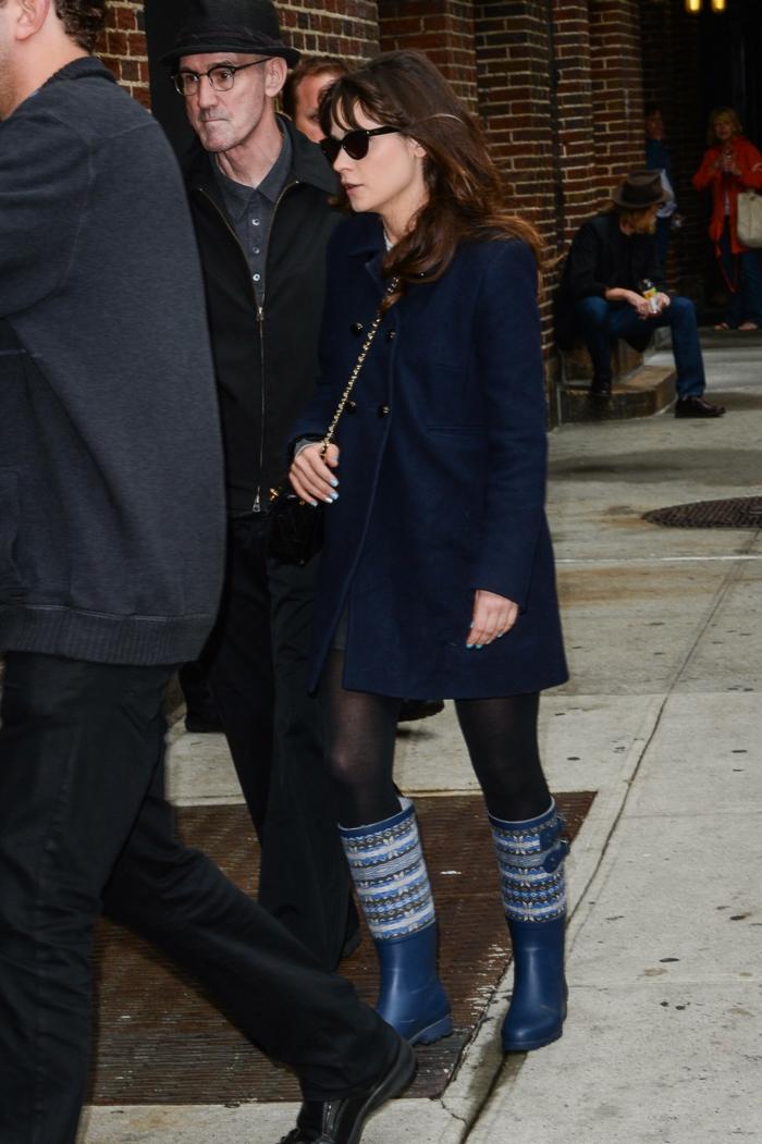 des-bottes-de-pluie-femme-bottes-originales-tenue-hiver-comment-styler-bottes-à-pluie