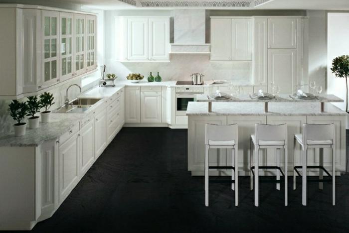 des-photos-cuisine-blanche-cuisine-moderne-idées-cuisine-monter-chaise-haute-intérieur-vintage