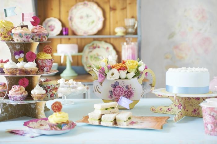 disney-alice-au-pays-des-merveilles-gâteau-anniversaire-fête-décoration-cool