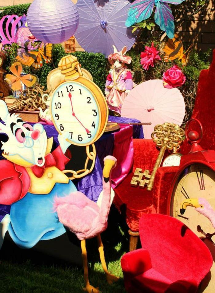 disney-alice-au-pays-des-merveilles-gâteau-anniversaire-fête-décoration-lapin