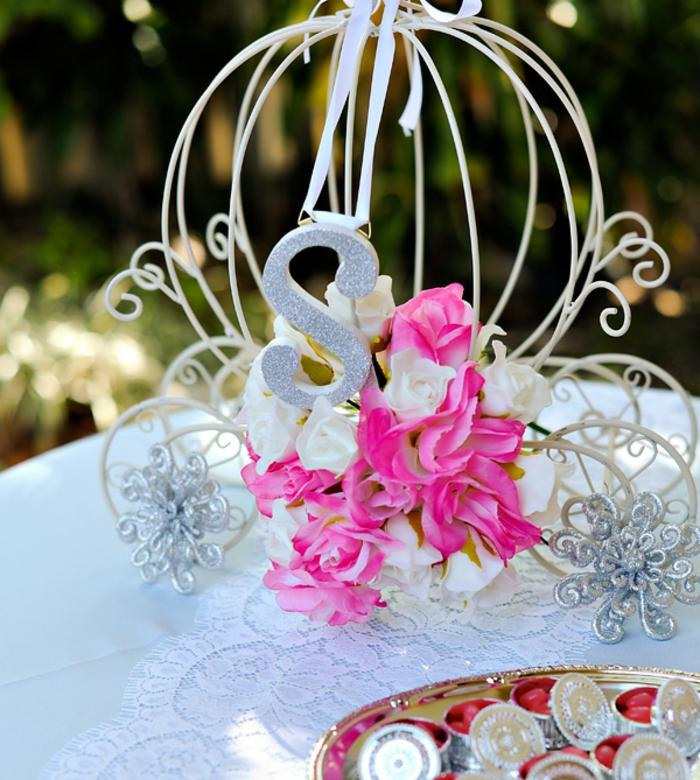 faire-à-soi-même-la-déco-mariage-belle-idées-cendrillon-robe-carosse-petit-déco-table
