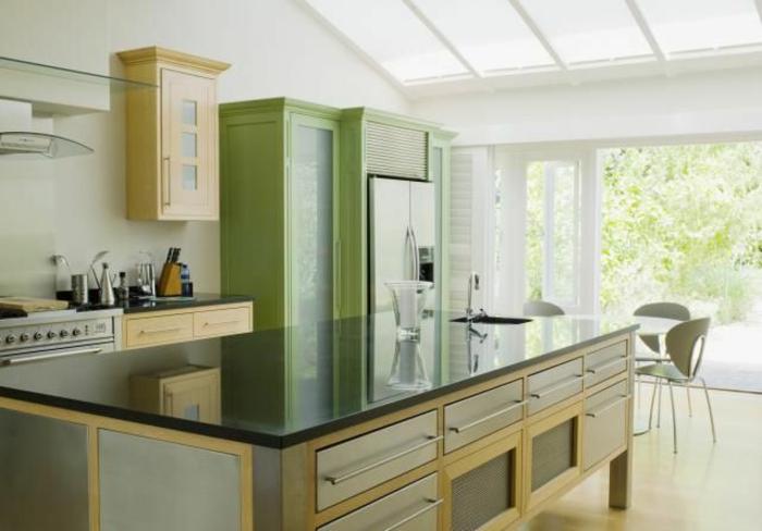 feng-shui-cuisine-couleur-vert-et-meubles-en-bambou-pour-la-cuisine-feng-shui