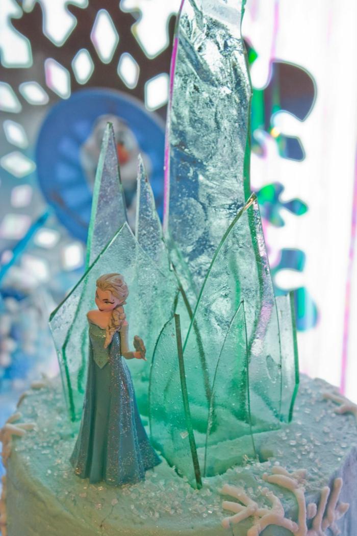 frozen-la-reine-des-neiges-gâteau-anniversaire-fille-image-de-gateau-belle-en-bleu-elsa