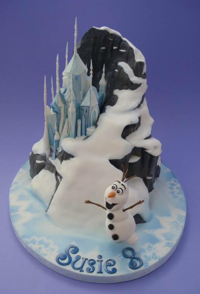 gâteau-pour-l-anniversaire-de-votre-file-avec-elsa-frozen-decors-gateaux-anniversaire-beau