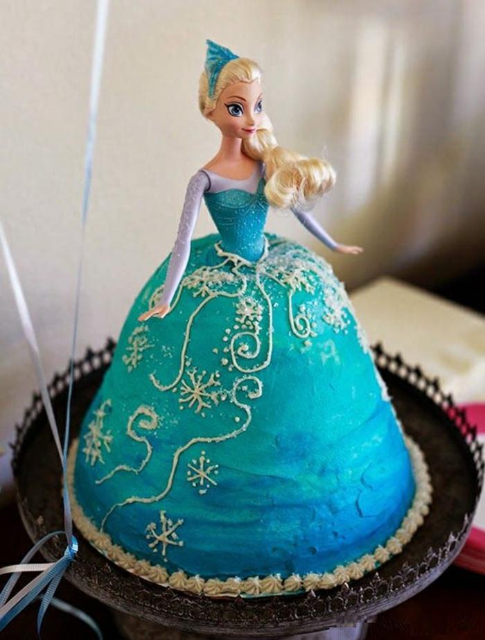 gâteau-pour-l-anniversaire-de-votre-file-avec-elsa-frozen-decors-gateaux-anniversaire-elsa-robe