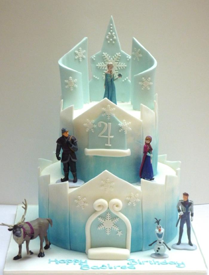 gâteau-reine-des-neiges-photo-sur-gateau-elsa-et-anna-figurine-pate-a-sucre-le-chateau
