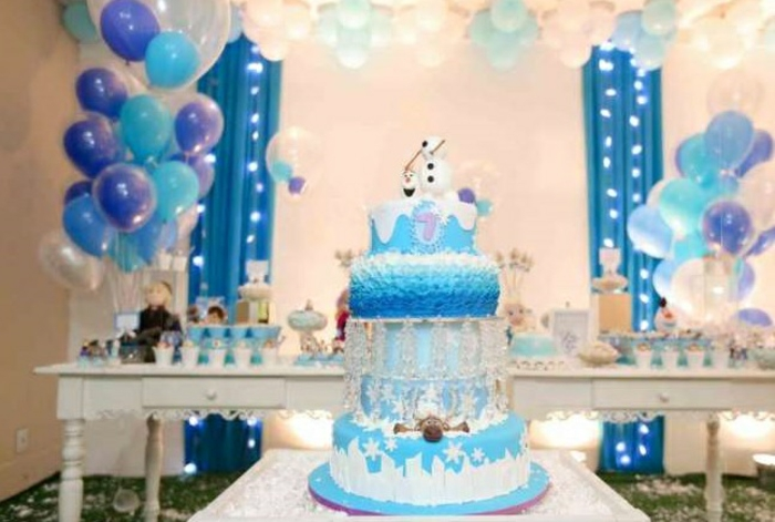 Le gâteau Reine des neiges - 50 idées originales - Archzine.fr