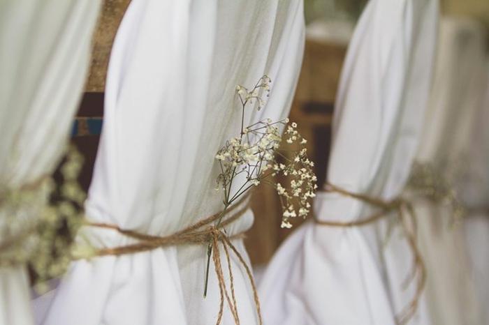 hausse-de-chaise-mariage-pas-cher-pour-créer-une-décoration-pas-cher-mariage