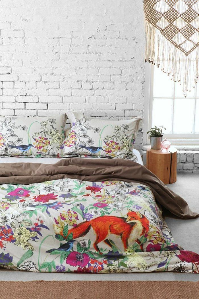housse-de-couette-240x260-coloré-pour-votre-lit-chambre-a-coucher-mur-de-briques-blancs