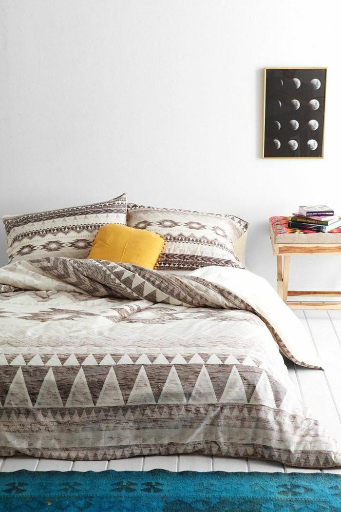 housse-de-couette-240x260-pour-le-lit-confortable-tapis-bleu-dans-la-chambre-a-coucher