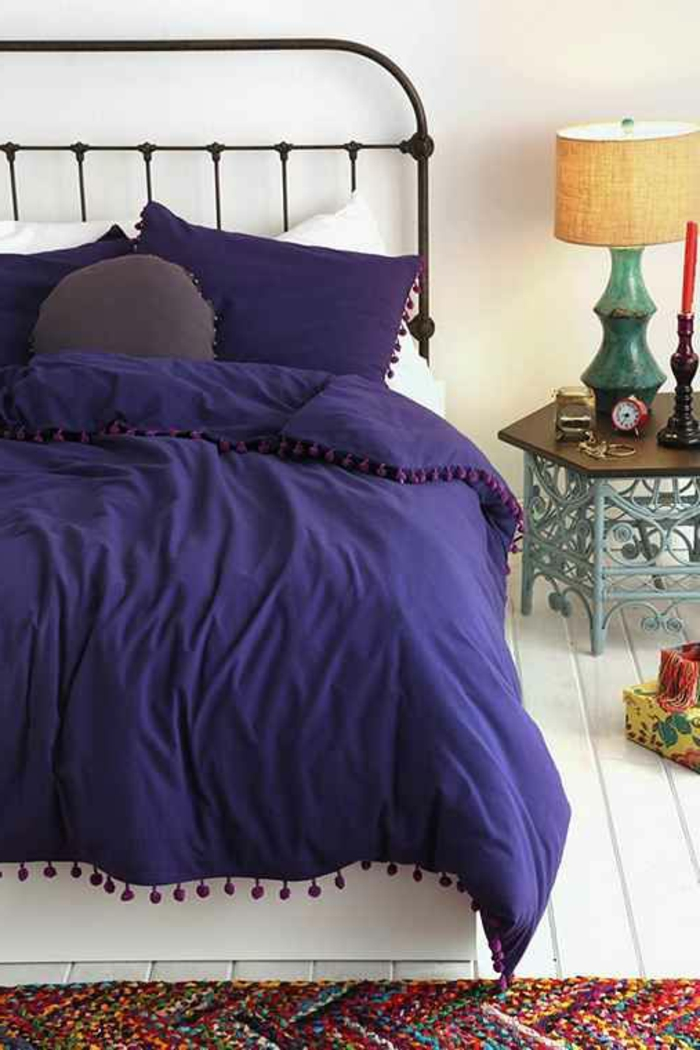 housse-de-couette-la-redoute-violette-pour-votre-lit-en-fer-forgé-sol-en-planchers