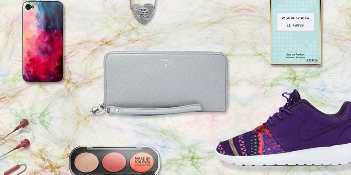 idée-de-cadeau-original-pour-femme-boucles-d'oreille-geek-cool-cadeaux-différents-objets
