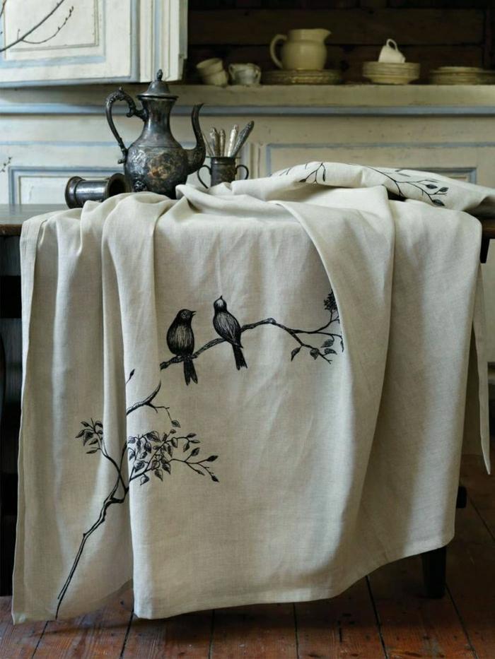 idée-la-nappe-de-table-en-toile-de-lin-nappe-exterieur-nappe-enduit-luxeuse-oiseaux-rustique