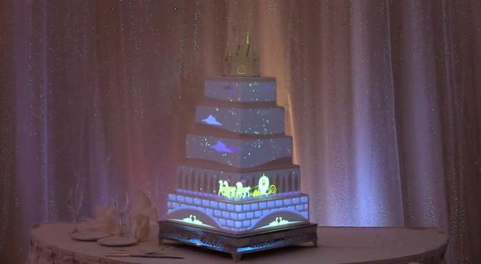 idées-déco-cendrillon-dessin-animé-inspiration-fête-décoration-originale-gâteau-éclairé-cool