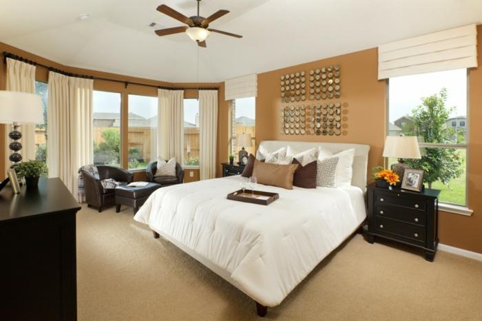 idées-déco-chambre-adulte-complete-lit-chambre-à-coucher-lit-couvres-blanches