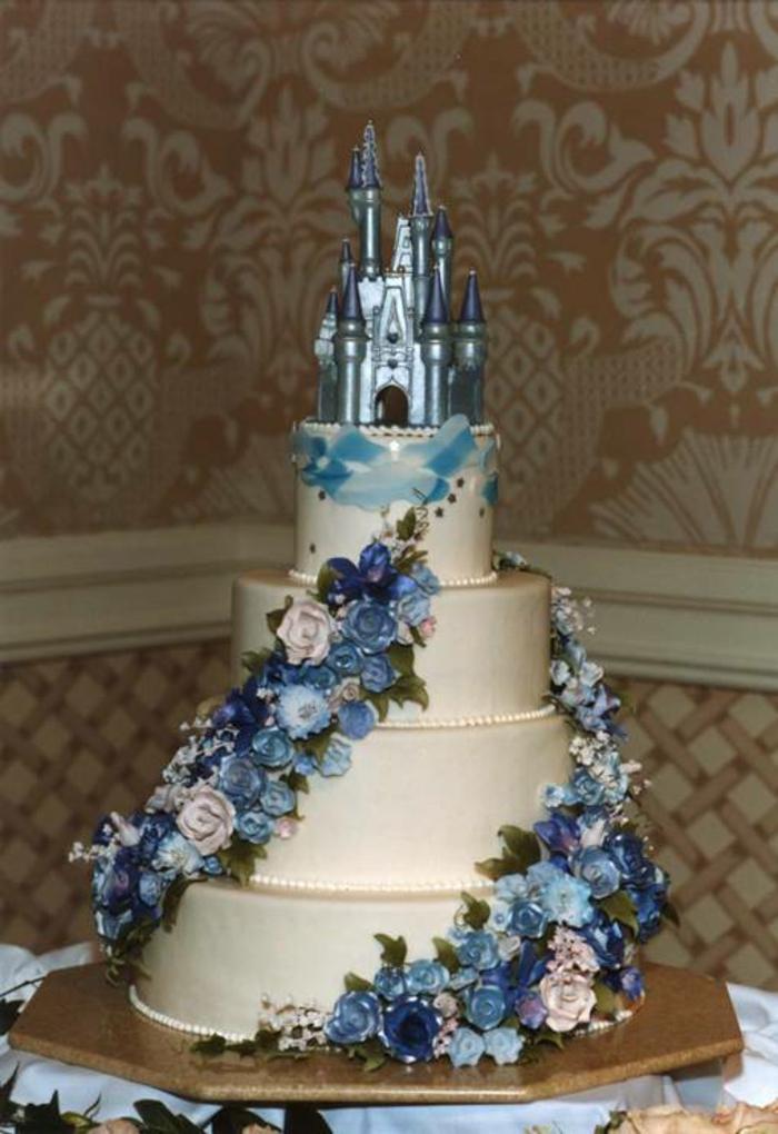 idées-déco-mariage-gâteau-castle-cinderella-chateau-de-cendrillon-disney-cake-gâteau-mariage