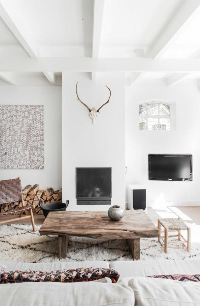 idee-de-deco-salon-de-style-scandinave-avec-intérieur-minimalist-tapis-beige-table-en-bois-massif