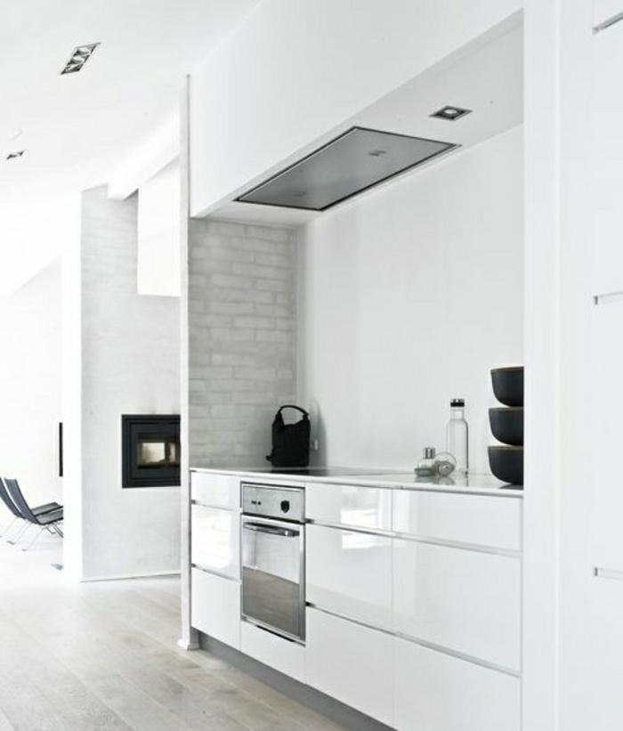 idee-deco-cuisine-blanche-laquée-design-d-intérieur-cuisine-rustique-industrielle