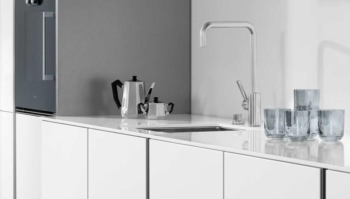 jolie-cuisine-blanche-laquée-pas-cher-meubles-de-cuisine-luxeuses-laqués-blancs