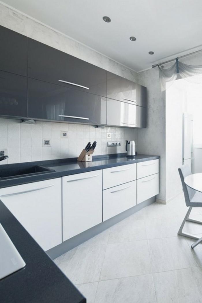 jolie-cuisine-laquée-gris-pas-cher-meubles-conforama-desig-pas-cher-carrelage-blanc