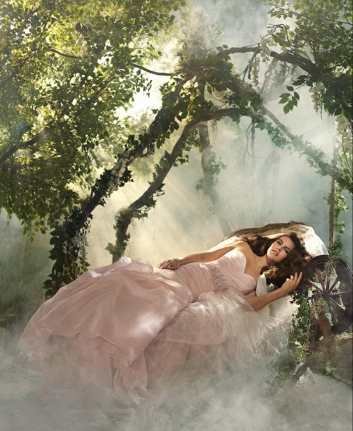 la-belle-au-bois-dormant-Disney-robe-de-mariée-robe-de-princesse-adulte-longue-rose