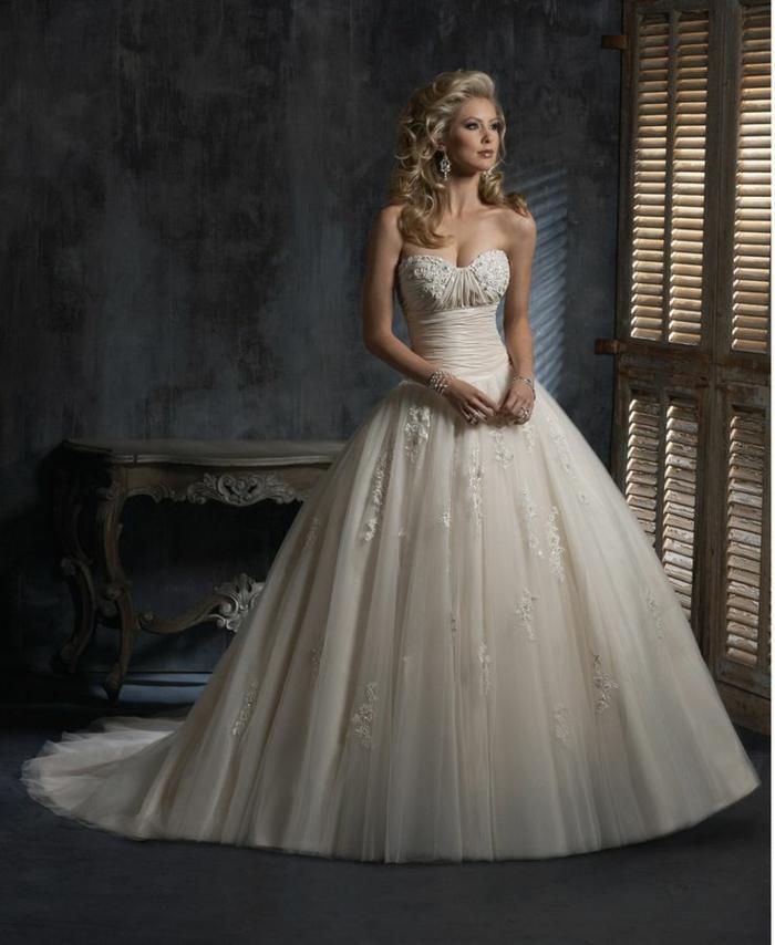 la-belle-au-bois-dormant-Disney-robe-de-mariée-robe-de-princesse-mariage