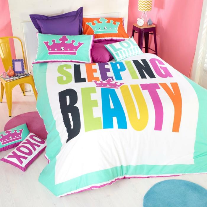 la-belle-au-bois-dormant-disney-gâteau-anniversaire-fille-chambre-lit