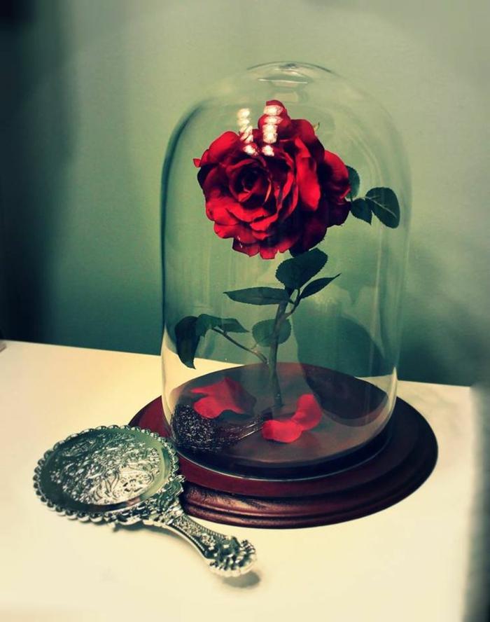 la-belle-et-la-bête-dessin-animé-de-disney-décoration-idées-intérieur-belle-rose-rouge