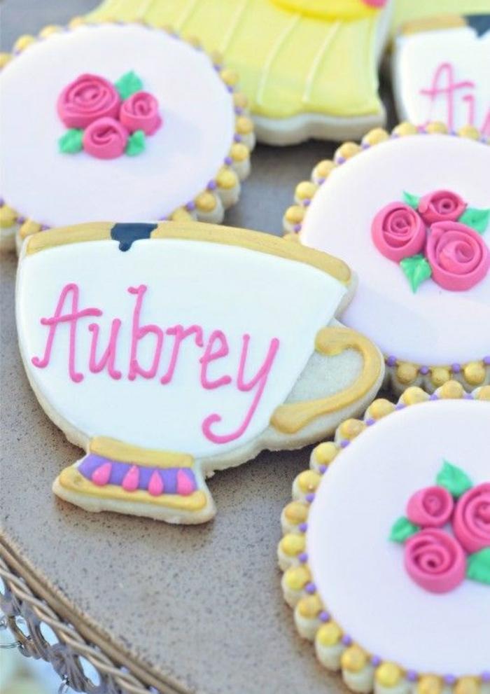 la-belle-et-la-bete-disney-accessoires-idées-faire-à-soi-même-anniversaire-cookies-tea-party