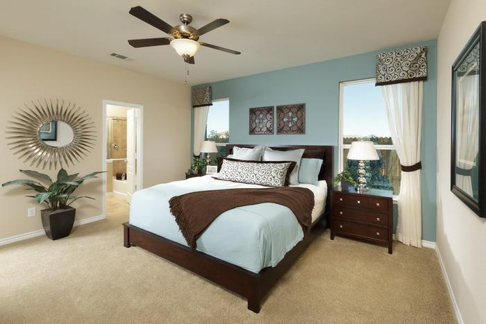 la-déco-chambre-adulte-en-tendance-lit-double-design-bleu-et-bois