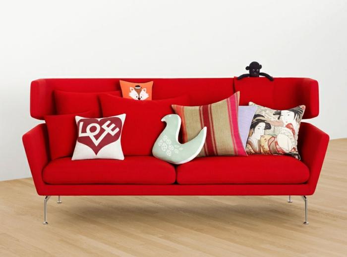 la-housse-coussin-design-idées-aménagement-intérieur-canapé-rouge
