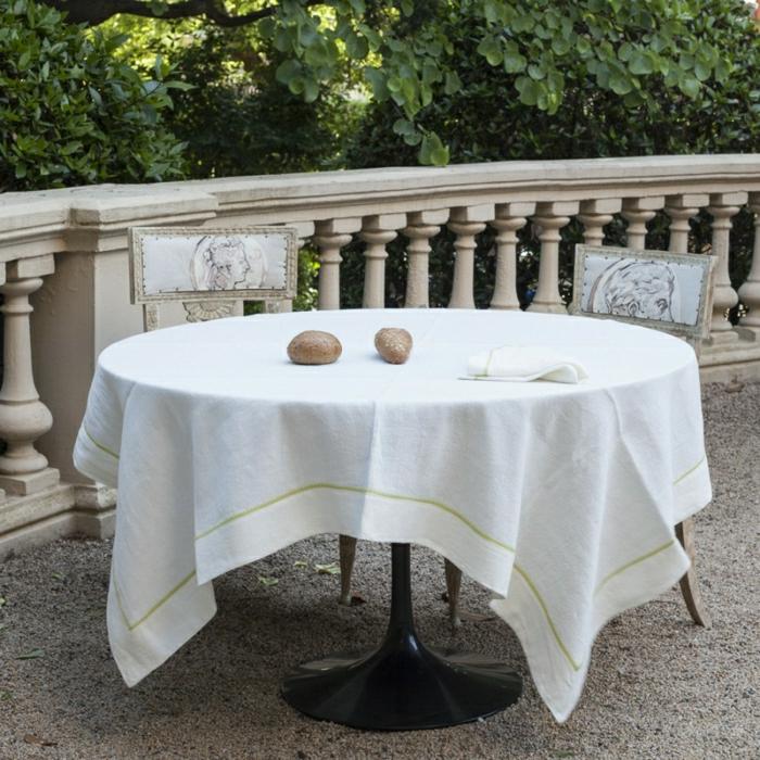 la-nappe-couleur-lin-nappes-lin-déco-de-table-cuisine-sur-la-veranda-balcon-maison