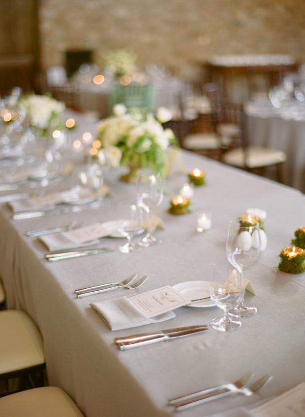 la-nappe-de-table-en-toile-de-lin-nappe-exterieur-nappe-enduit-belle-aménagement-table-mariage