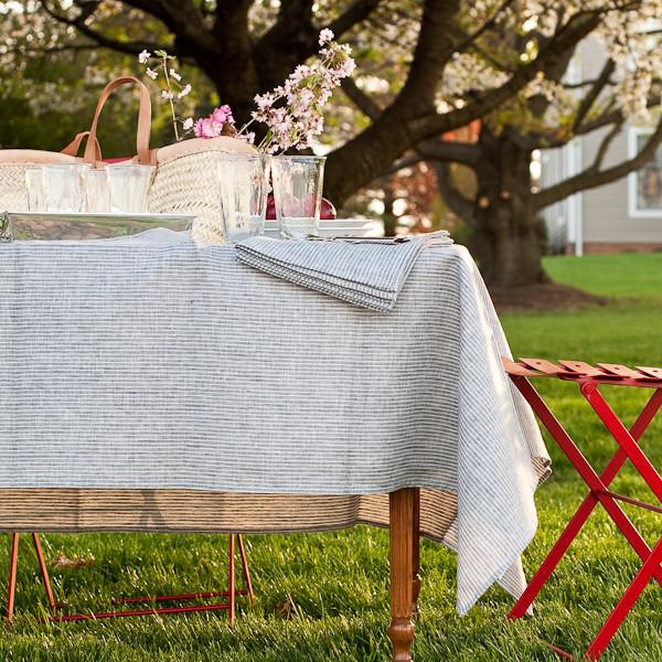 la-nappe-de-table-en-toile-de-lin-nappe-exterieur-nappe-enduit-rustique-jardin