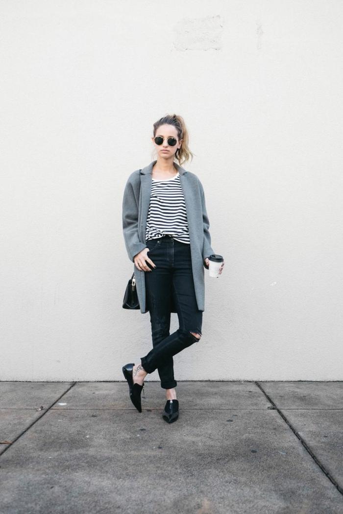la-redoute-femme-manteau-long-femme-gris-et-denim-gris-t-shirt-a-rayures-blanches-noires