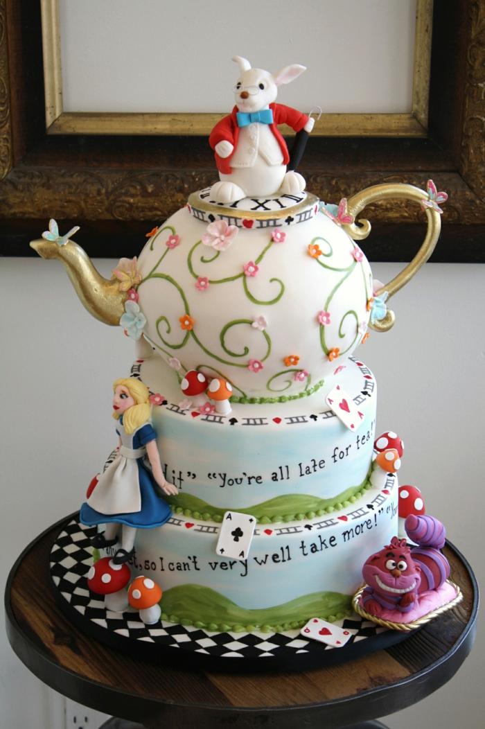 la-theière-d-alice-thé-party-avec-le-feu-et-les-chapeaux-idée-gâteau-de-mariage
