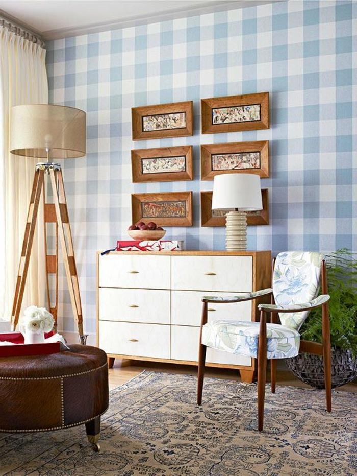 le-bahut-conforama-dans-le-salon-avec-tapis-coloré-et-parquette-mur-bleu