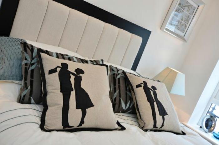 le-coussin-design-pour-canape-idée-à-faire-soi-même-femme-silhouette