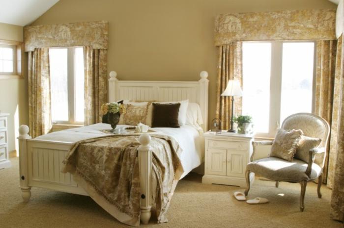 le-lit-adulte-avec-rangement-design-idée-originale-tête-de-lit-rustique