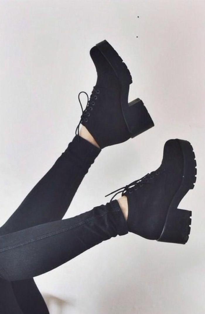 les-bottes-noires-dans-toute-sa-beauté-quelle-bottine-noire-choisir-pour-la-femme-moderne