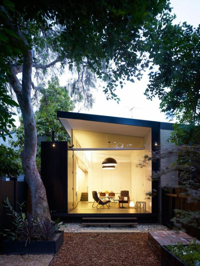 maison-de-luxe-le-minimalisme-en-architecture-moderne-une-maison-sur-1-etage
