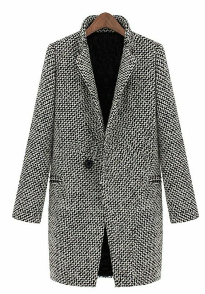 manteau-long-femme-gris-une-vision-moderne-pour-les-femmes-modernes-qui-marchent-sur-la-rue
