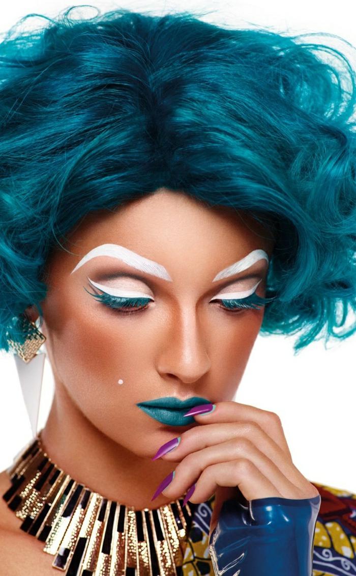 maquilleur-professionnel-pas-cher-et le-maquillage-artistique-professionnel-pour-les-filles-modernes