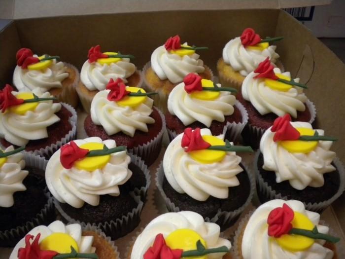 mariée-le-gâteau-de-mariage-inspiré-par-Belle-et-la-Bête-disney-cakes-cupcake