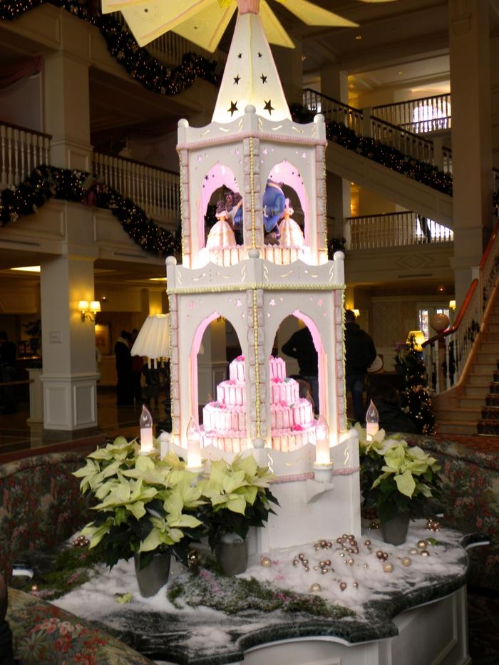 mariée-le-gâteau-de-mariage-inspiré-par-Belle-et-la-Bête-disney