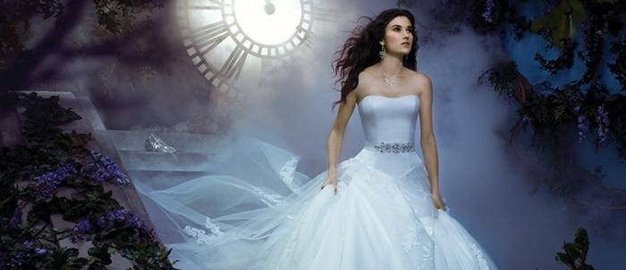 mariage-cendrillon-chaussure-idée-robe-de-mariée-theme-mariage-original-belle-robe-longue